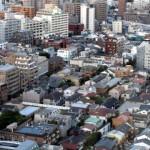 築50年、駅から遠いなど、悪条件のマンションを売るための工夫。解体・更地・土地活用も検討すべき?