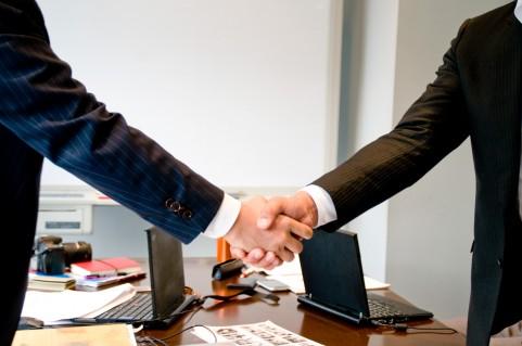 不動産売却の売買契約書の記載内容、ひな形や単語・必要な印紙・実印割印、その他注意点のまとめ
