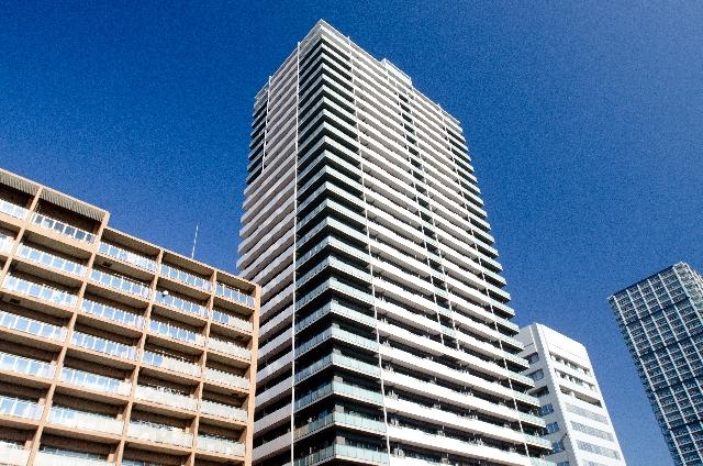 マンション・タワマンの上層階、階が高くなるほど家賃や物件価格が高くなる理由は?相続に関係あり?